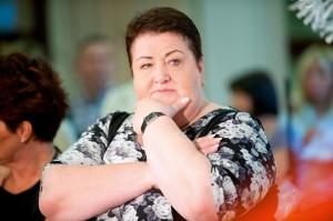 Henryka Krzywonos adoptowała i wychowała 12 dzieci. Teraz pomaga podopiecznym Fundacji Hospicyjnej. / Fot. East News