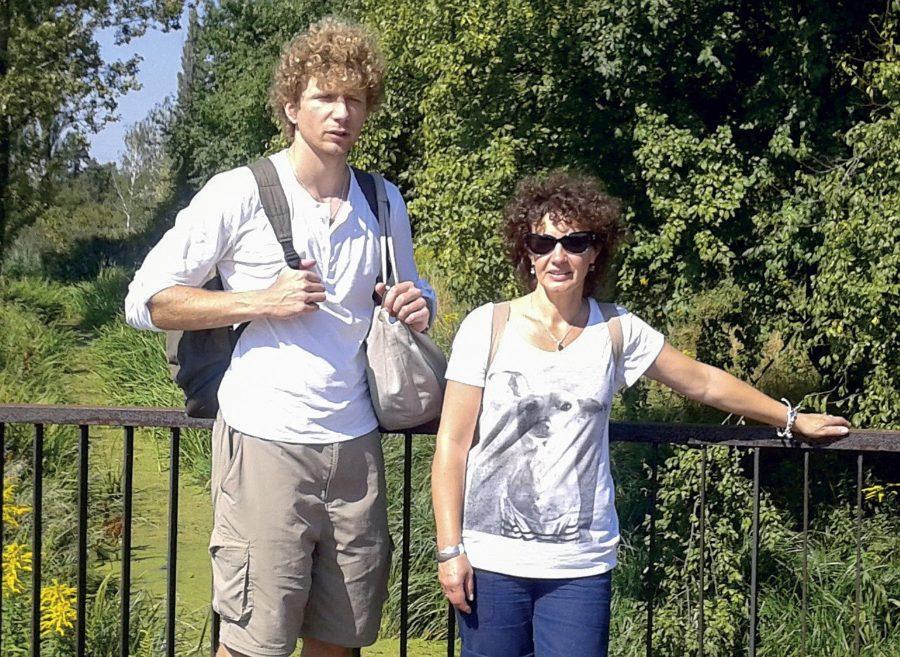 Pani Anna Sobotka-Turek z synem podczas wakacyjnej wędrówki.