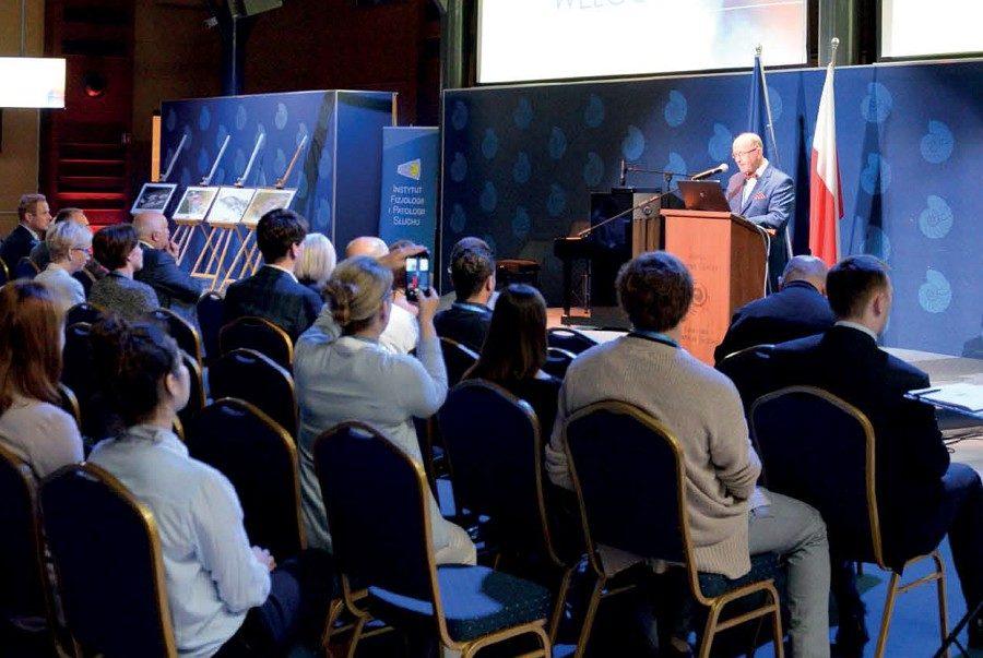 """Międzynarodową Konferencję Naukową """"Muzyka w rozwoju słuchowym człowieka"""" otworzył prof. Henryk Skarżyński."""