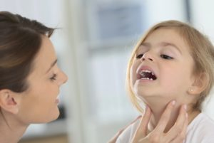 Przerost migdałków. Jak leczyć dziecko?